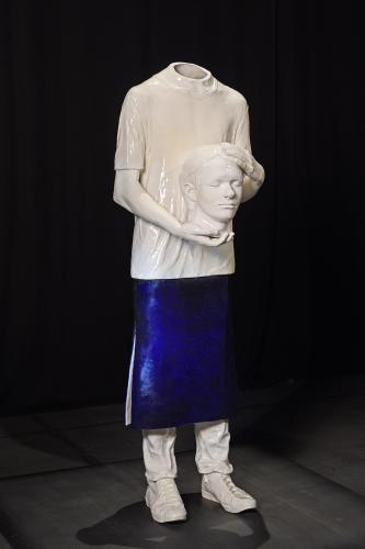 Pascal Convert, Portrait of a young man in Saint-Denis, 2017, ceramics, 165 x 50 x 45 cm, photo © delp, sculpture executed with a help of the ceramics studio of l'ESA Pyrénées, courtesy Eric Dupont gallery, Paris.